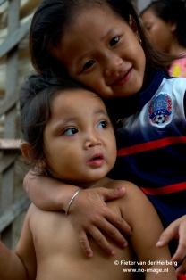 meisje en baby